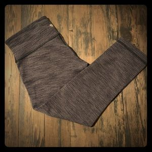 Lululemon HR Crop Leggings Size 6